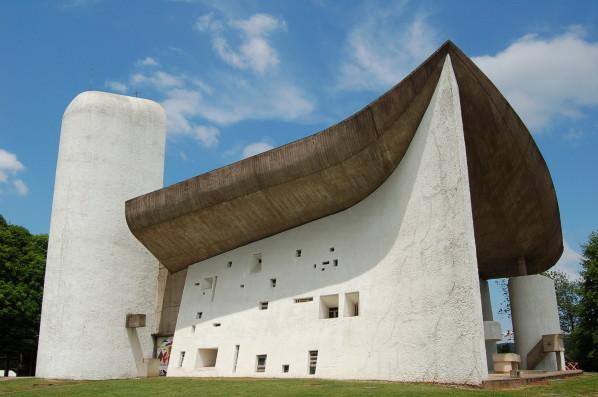 le-corbusier-chapelle-de-Ronchamp--2-